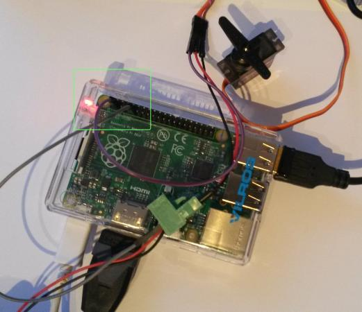 Controlar un servo motor con Rasperry Pi